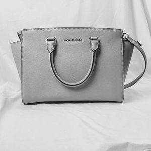 NEW MICHAEL KORS Pearl Gray Selma Crossbody Bag